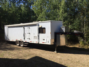 2006 Beothuck Custom 5th Wheel Hunting/Winter Camping Trailer