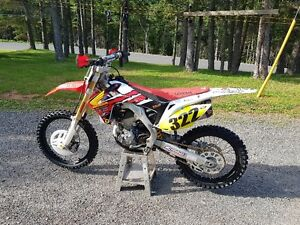 2014 Honda Crf250r like new with many extras