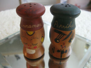 PAIR of OLD FASHIONED VINTAGE SOLID WOOD SHAKERS