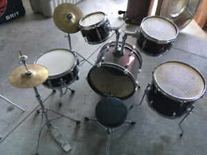 Youth Drum Kit. Mint condition.