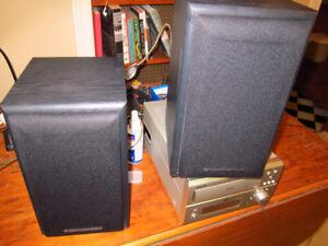 Cerwyn-Vega E705 bookshelf speakers