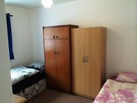 Nice twin room -share or private- to rent in Limehouse, all bills included, free wifi, ID: 465