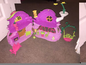 Tinker Bell House & Accessories