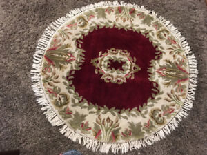 GORGEOUS WOOL AREA RUG