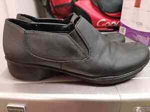 Dr. Scholls black shoes