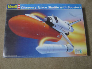 Revell 1/144th Discovery Space Shuttle with Boosters Model Kit Strathcona County Edmonton Area image 1