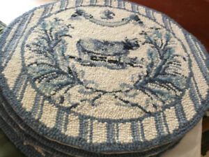 HAND HOOKED WOOL CHAIR PADS