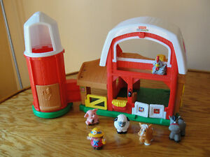 Little people farm with sounds