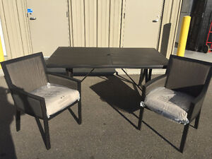 ~~~Beautiful Stone Table Patio Set w/ Two Chairs