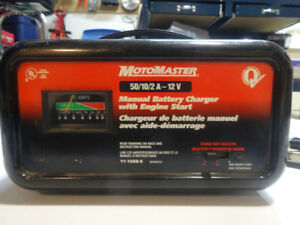 Motomaster 50/10/2A 12V Battery Charger with engine boost