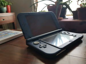 Galaxy Edition 3DS XL with case & 3 games