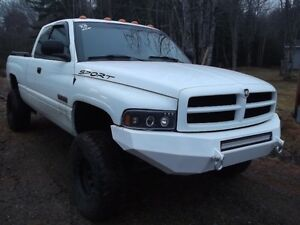 2001 Dodge Power Ram 2500 Pickup Truck