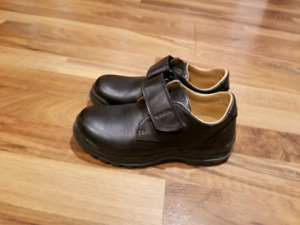 Geox leather shoes for boys size 13