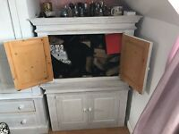 2 pine cupboards