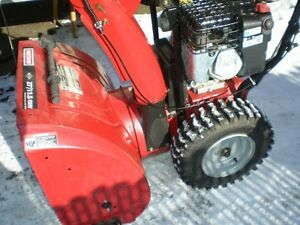 Very good snow blower  Craftsman NEW ENGINE    306cc /27 ,inch