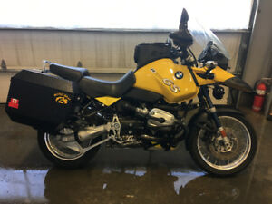 SHOW ROOM CONDITION  2003 BMW GS1150 $7500. OBO