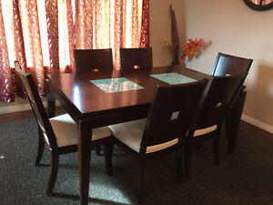 FABULOUS DINING TABLE SET FOR SALE $500!!!