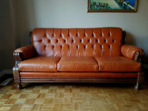TOP OF THE LINE HARD WOOD LEATHER SOFA SET VALUE $10000