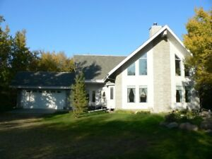 Chalet house on 4 acres NW of Lacombe
