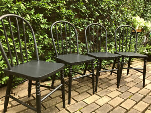 ANTIQUE SET OF 4 SOLID OAK WINDSOR BACKED CHAIRS