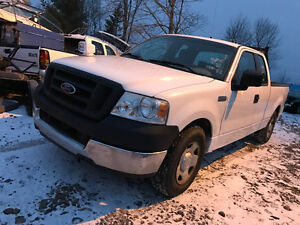 2005 FORD F150 5.4 AUTO 180000 kms 2500$@902-293-6969