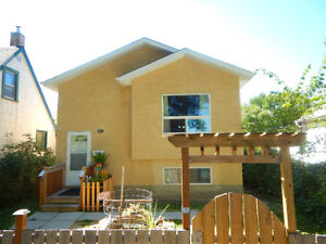 BEAUTIFUL & AFFORDABLE 2013 BILEVEL W/ 3 BEDROOMS
