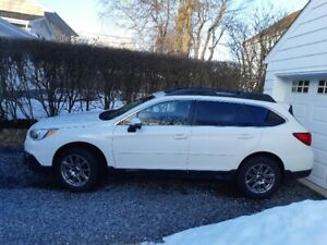 2015 Subaru Outback 3.6R Limited with Technology Pkg.