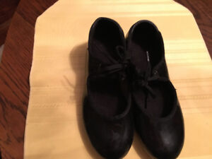 Girls dance - tap shoes size 13.5 m
