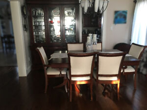Dining Room Table and Buffett & Hutch Set