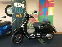 Piaggio Vespa GTS300 HPE
