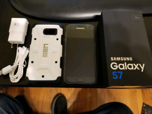Samsung S7 - 32 Gig and UAG case & charger - only 11 months old
