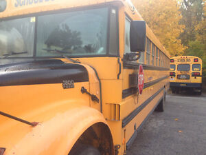 2000 International yellow school bus for sale.