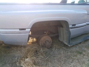1996 Dodge one ton dually differential and Fender