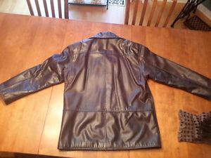 Manteau de cuir véritable femme / Genuine leather ladies jacket West Island Greater Montréal image 3
