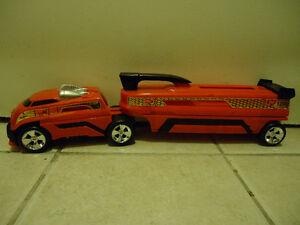 Hotwheels truck + storage
