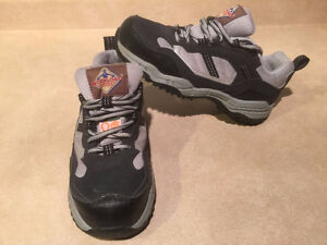 Women's Workload Steel Toe Work Shoes Size 4 London Ontario image 5