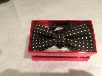 New adult bow ties