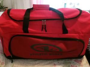 Large Pull Along Wheeled Duffle Bag Luggage
