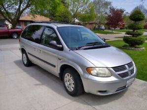 2005 Dodge Caravan SE Minivan, Van