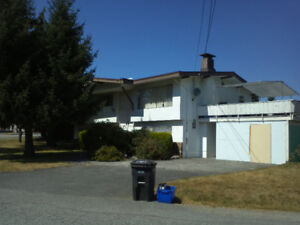3 BR UPPER LEVEL HOUSE SOUTH SLOPE METRO TOWN