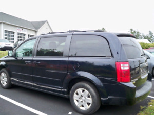 2010 GRAND CARAVAN.  FULL STOW & GO!!! NEW MVI & BRAKES