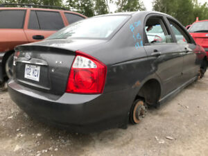 2005 Kia Spectra ** FOR PARTS ** INSIDE & OUTSIDE **