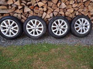 mag VW 16po d'origine et pneu d'été P205/55R16