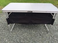 Foldin table and storage