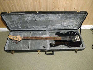 G&L L2000 Tribute Bass with Hard Shell Case