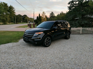 2015 Ford Explorer Sport with 365hp & Leather **Fully Loaded**