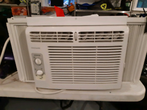 Brrrrrrr AIR CONDITIONER $350 OBO