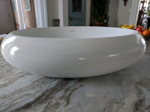 Oval above counter sink, Vitreous China, white