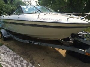 21' Renielle cruiser boat with trailer and trolling motor