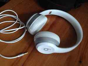 Beats by Dr. Dre Solo 2 On-Ear Headphones - White